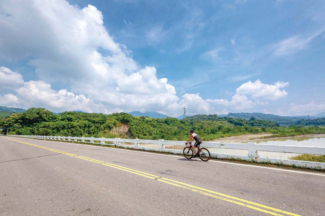 單車誌No98_咖啡公路